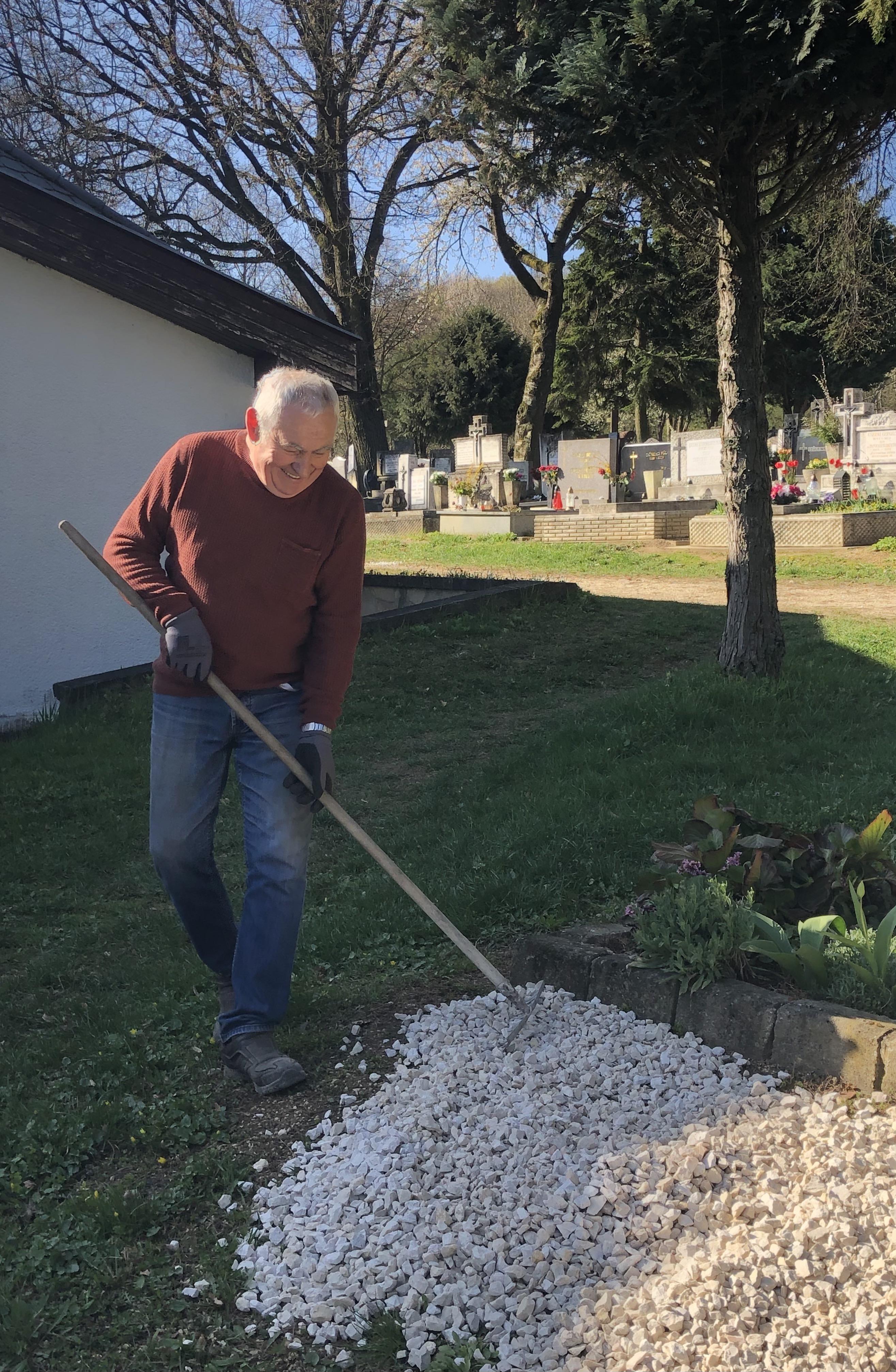 temetőtakarítás4